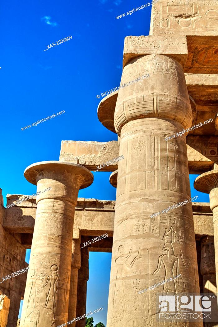 Imagen: Column Reliefs, Hypostyle Hall, The Ramesseum (or Mortuary Temple of Ramese II), Luxor, West Bank, Nile Valley, Egypt.