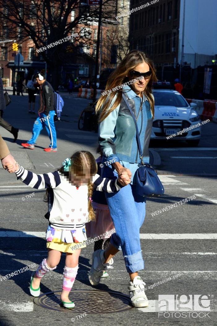 1f39dabe001 Stock Photo - Sarah Jessica Parker takes her children to school Featuring  Sarah  Jessica Parker