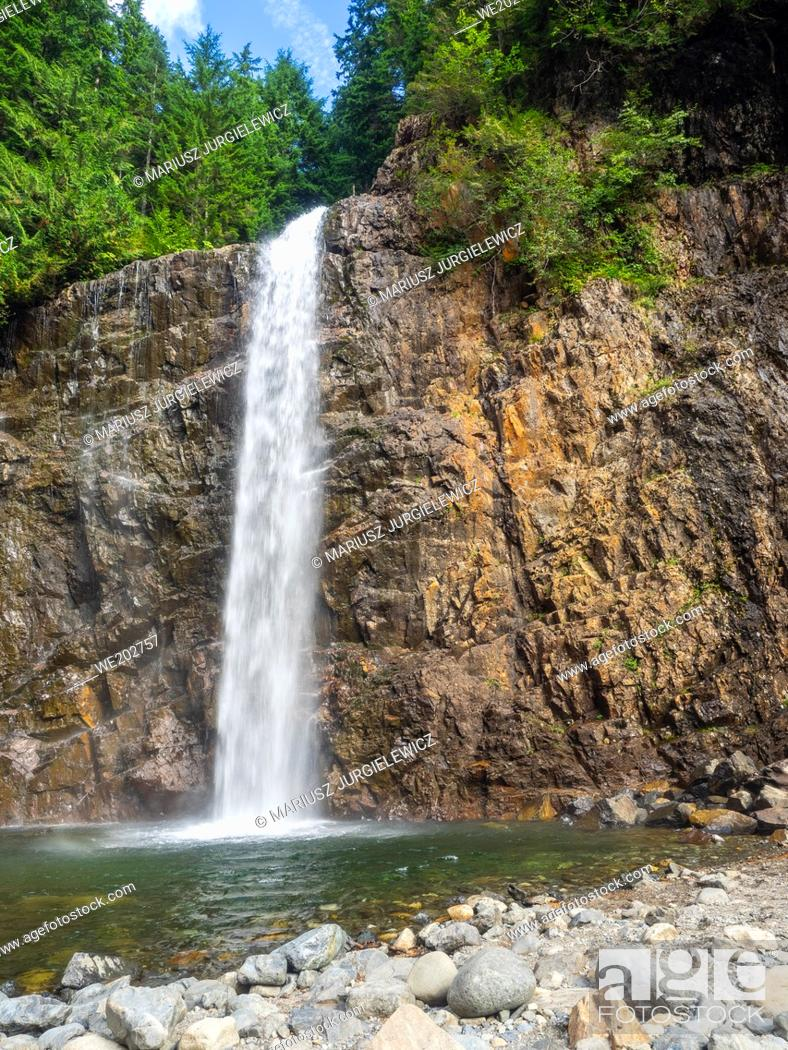 Stock Photo: Franklin Falls is a waterfall on the South fork of the Snoqualmie River, the first of three major waterfalls on the South Fork Snoqualmie River.