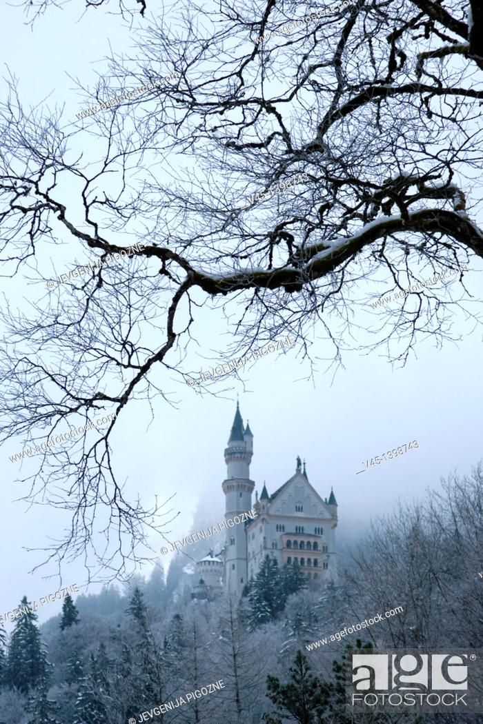 Stock Photo: Neuschwanstein Castle, Schloss Neuschwanstein, from Hohenschwangau village, Schwangau, Ostallgau, Bavaria, Germany, Winter.