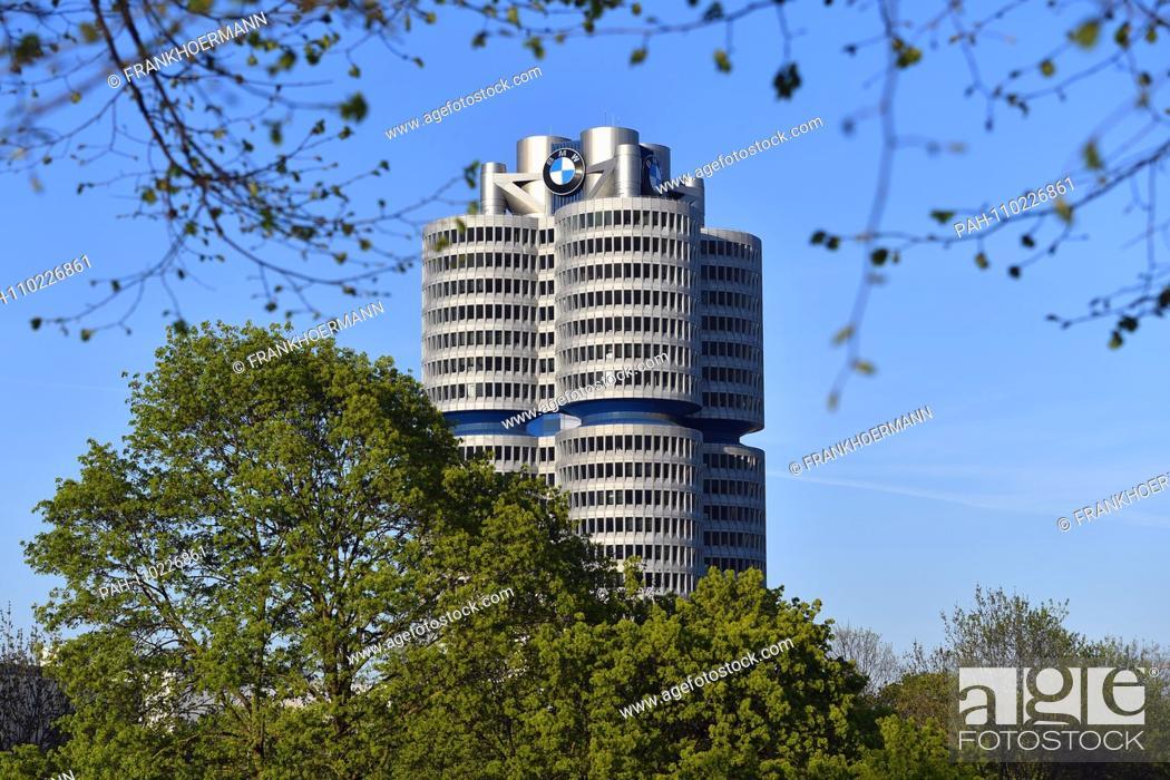 Randmotiv Feature BMW logo at the BMW corporate headquarters