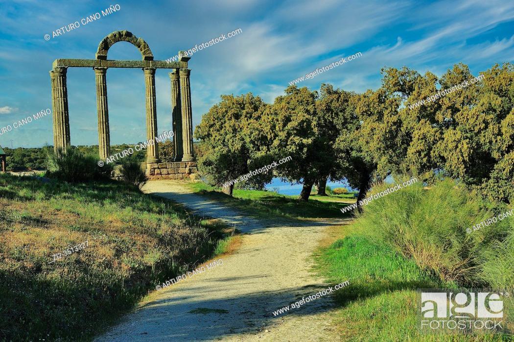 Stock Photo: Roman remains of Augustobriga. Bohonal de Ibor town, Cáceres province, Spain.