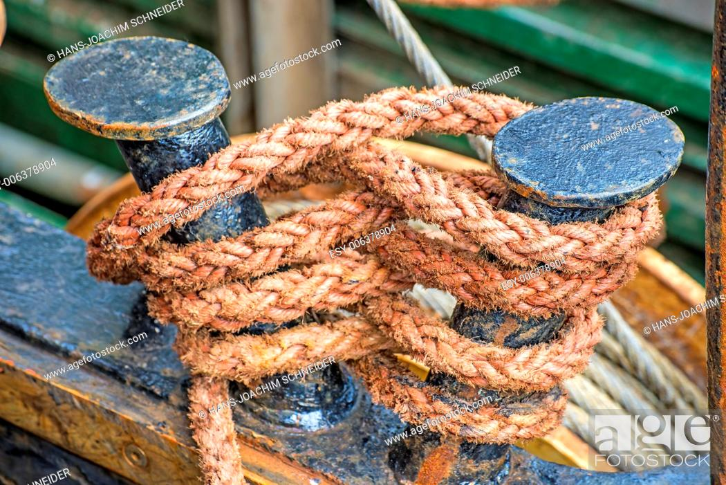Imagen: Rope with anchored ship.