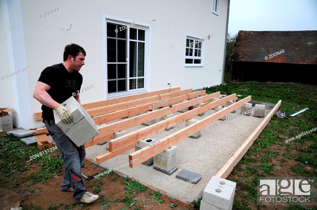 Holzterrasse Bauen holzterrasse bauen, building a wooden deck, punktfundamente setzen