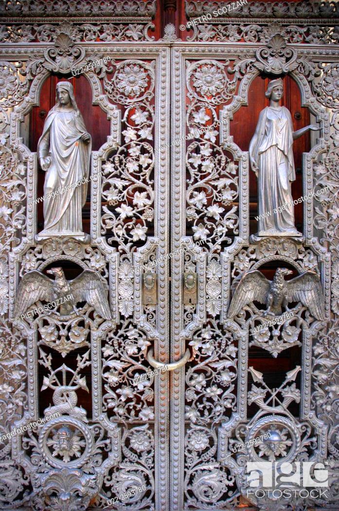 Stock Photo: Brazil, Rio de Janeiro, he Palacio do Catete Gate.