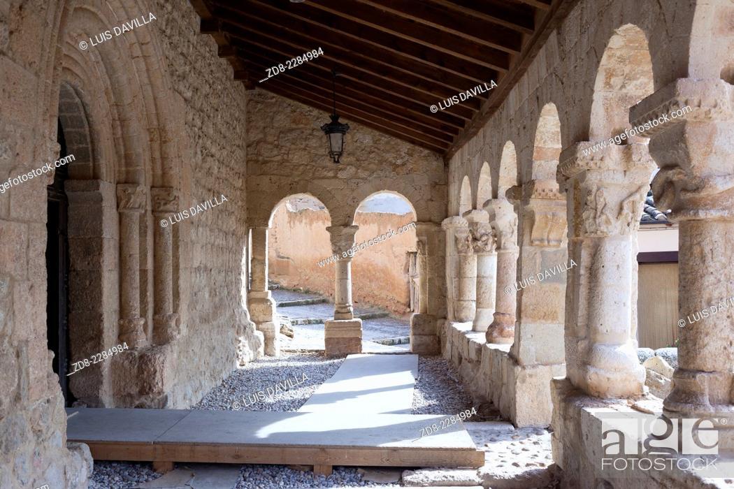 Imagen: san miguel romanic church in san esteban de gormaz.