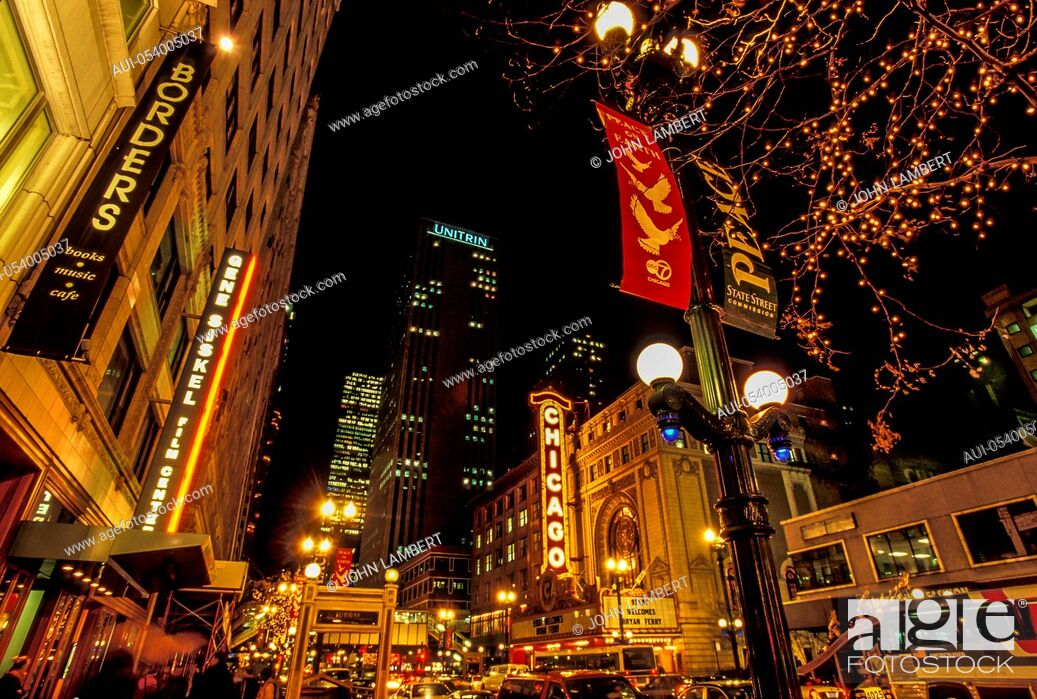 Stock Photo: usa, illinois, chicago at night.