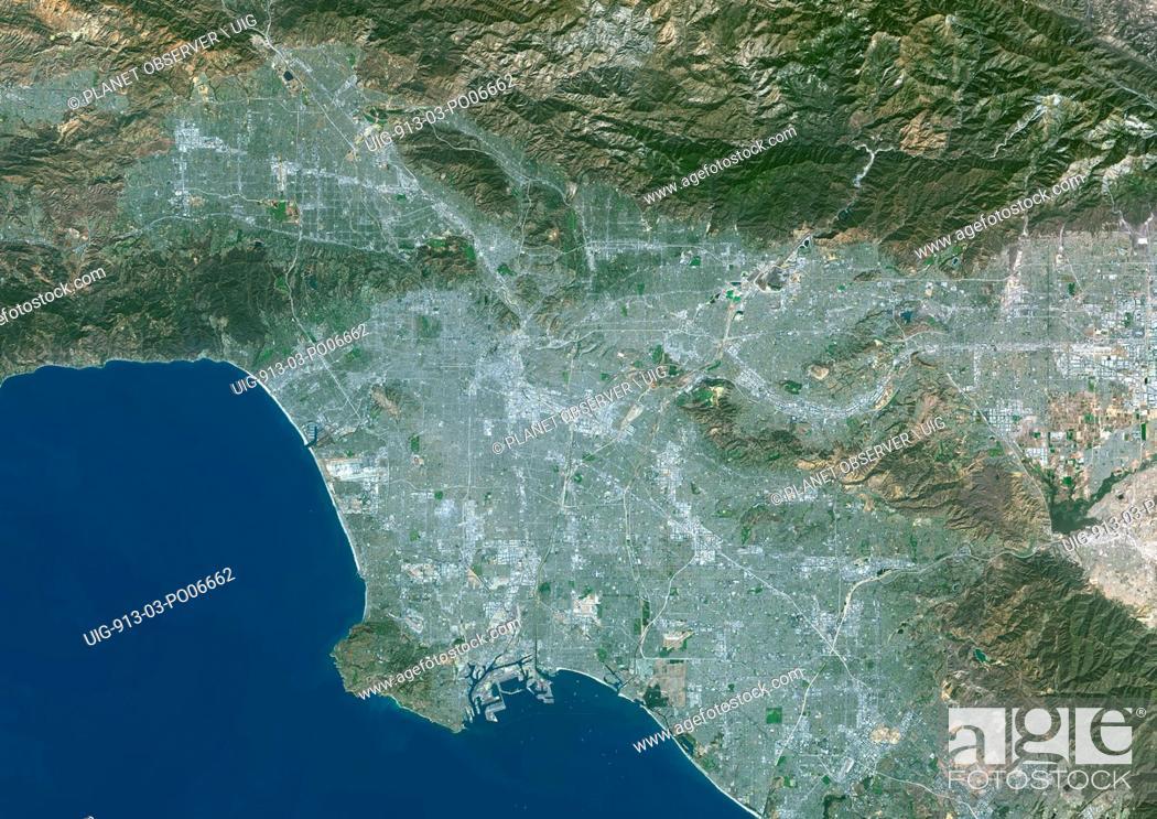 Imagen: Colour satellite image of Los Angeles, California, USA. Image taken on October 23, 2014 with Landsat 8 data.