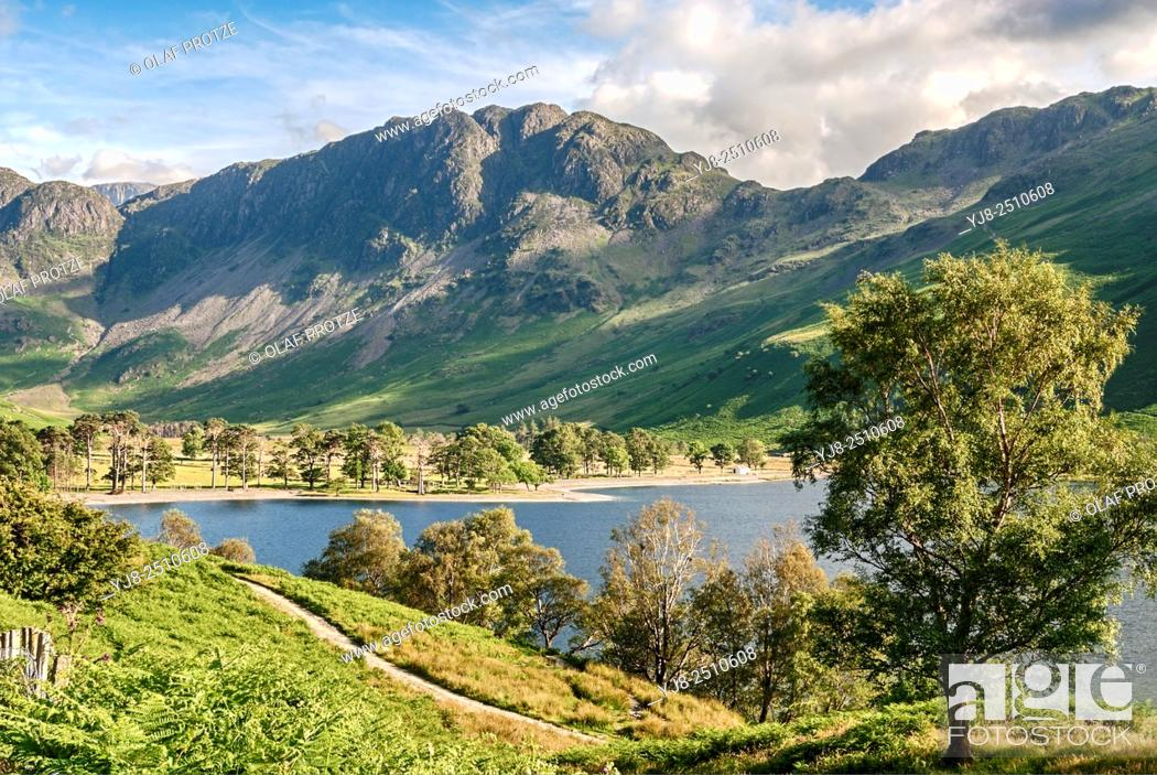 Stock Photo: Landscape at Lake Buttermere at the English Lake District National Park near Buttermere, Umbria, United Kingdom.