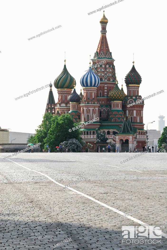 Stock Photo: Saint Basils Cathedral, Cathedral of Saint Basil the Blessed, Red Square, Moscow, Russia.