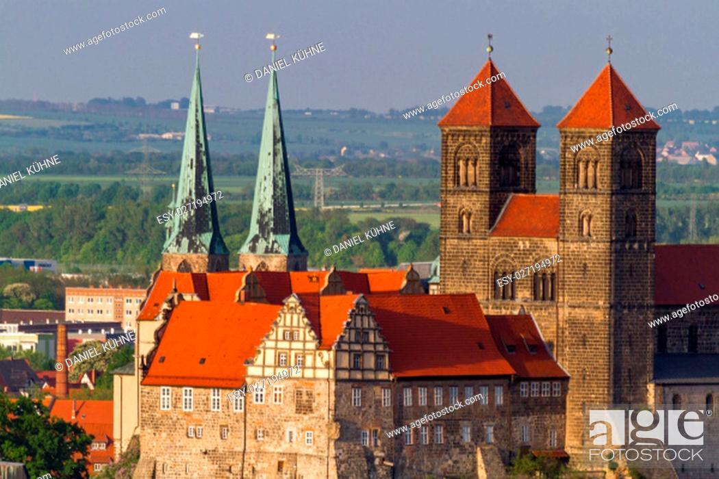 Stock Photo: overlooking the quedlinburger schloss.
