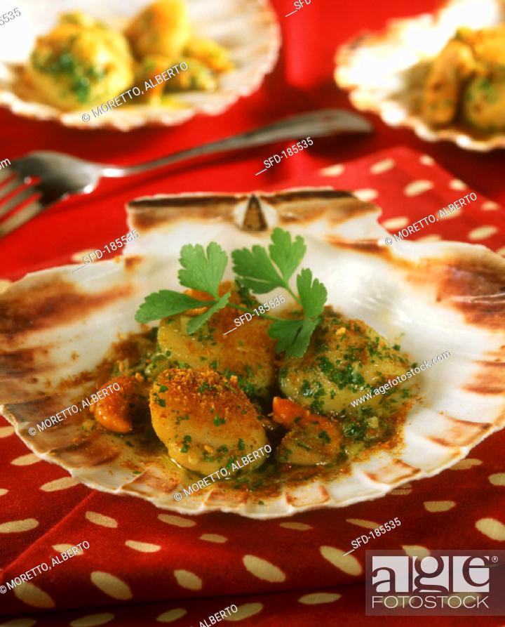 Stock Photo: Scallops 'a la veneziana' (breaded and fried).