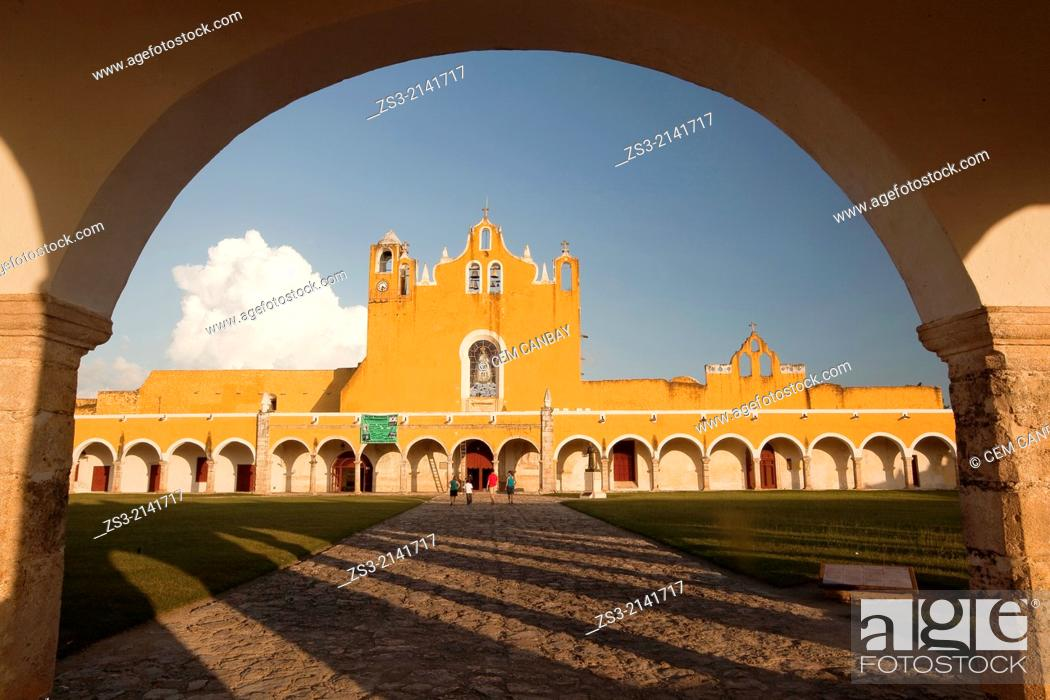 Stock Photo: Entrance of the Monastery, Convent Of San Antonio De Padua, Izamal, Yucatan, Yucatan Province, Mexico, North America.