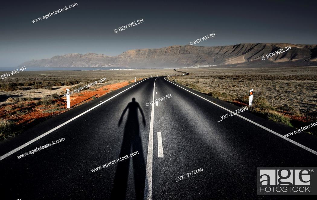 Imagen: Road to Famara. Lanzarote, Canary Islands, Spain.