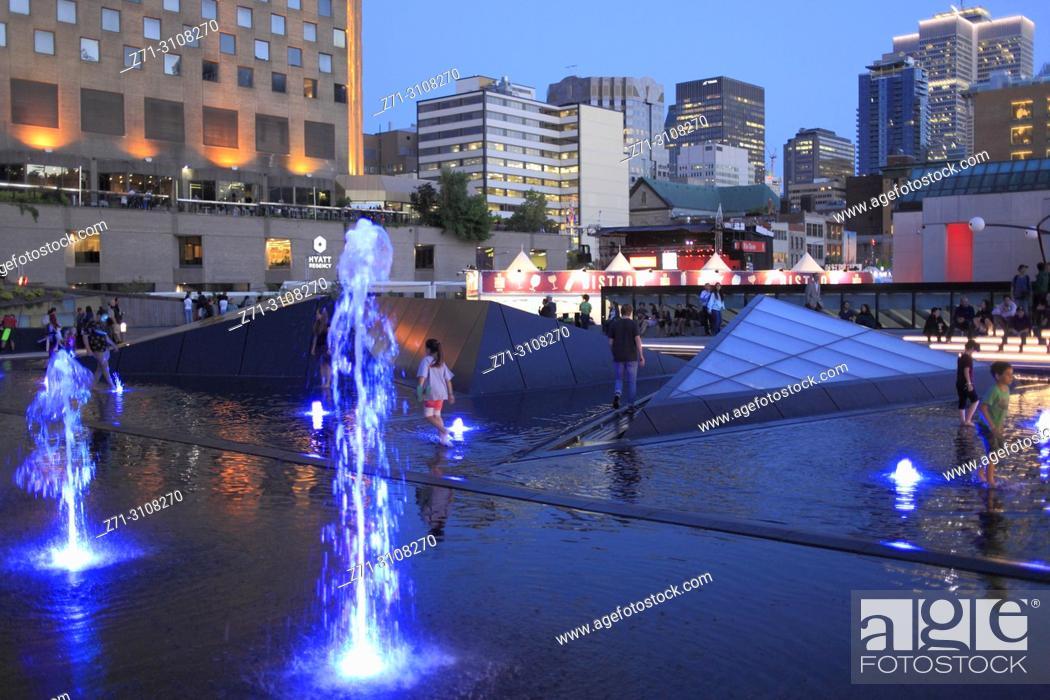 Stock Photo: Canada, Quebec, Montreal, Quartier des Spectacles, Place des Arts, people,.