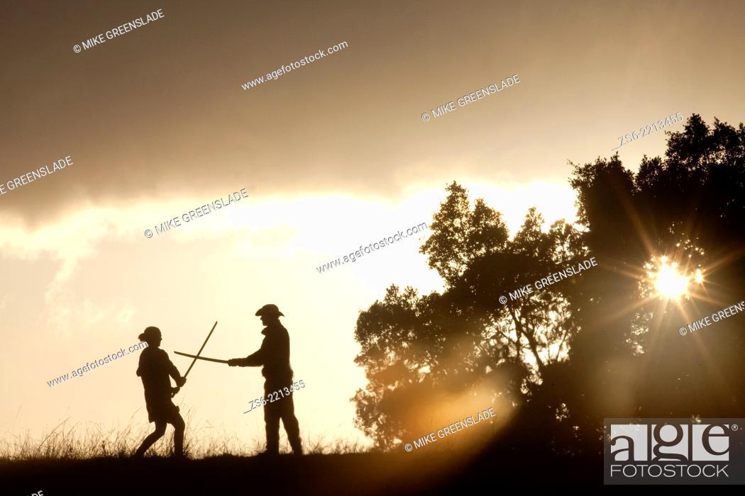 Imagen: Protesters at the Bentley Blockade at dawn, Bentley, NSW, Australia.
