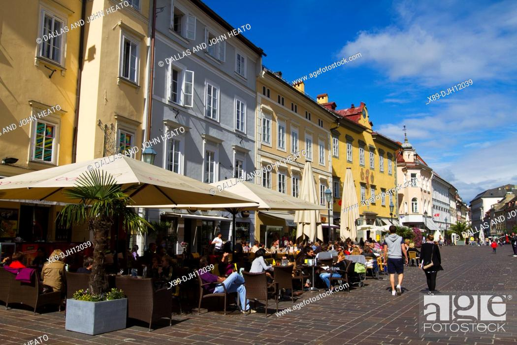 Stock Photo: Europe, Austria, Carinthia, Klagenfurt am Worthersee, Alter Platz, Restaurant.