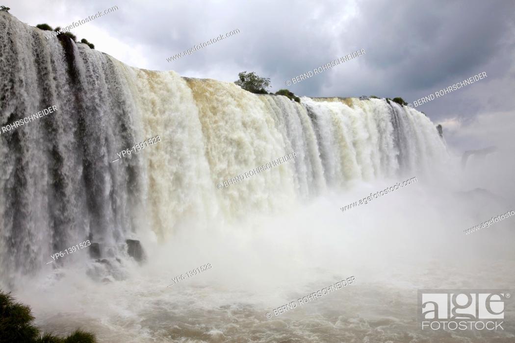 Stock Photo: Iguazu Falls, Iguazu National Park, Brazil.