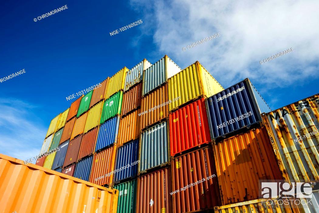 Stock Photo: Container, Verladebahnhof Dornstadt bei Ulm, Baden-Württemberg, Deutschland, Europa.