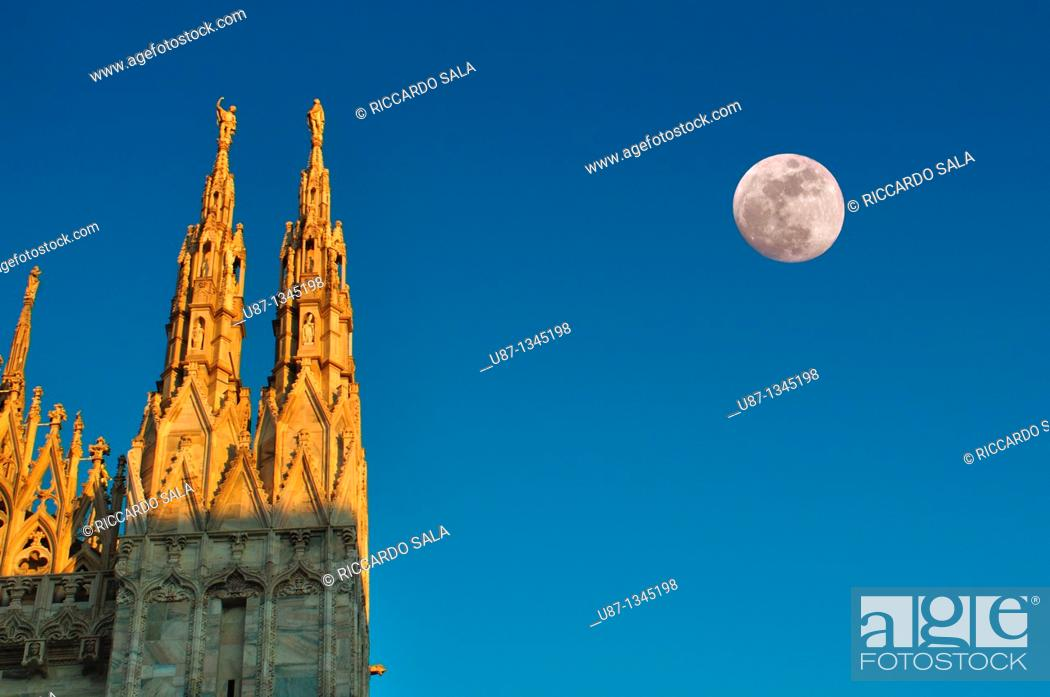 Stock Photo: Italy, Lombardy, Milan, Duomo Cathedral, Detail Facade.