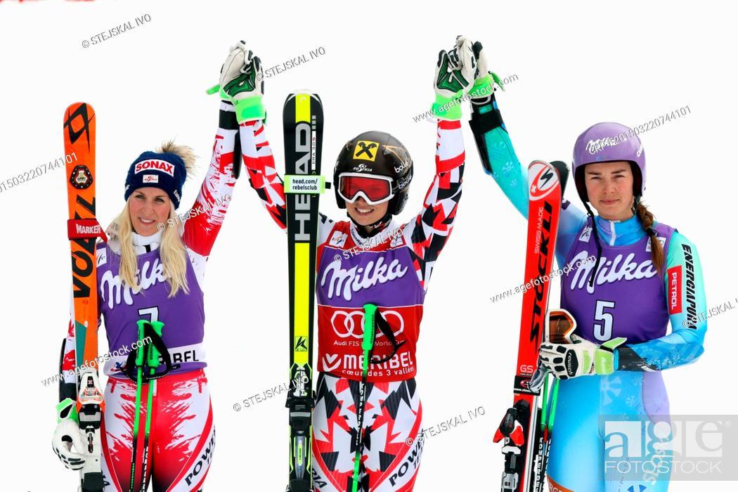 Anna Fenninger Skiing