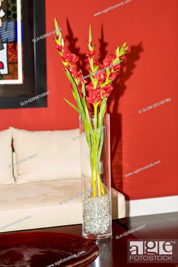 Photo de stock: Flower vase on a table.