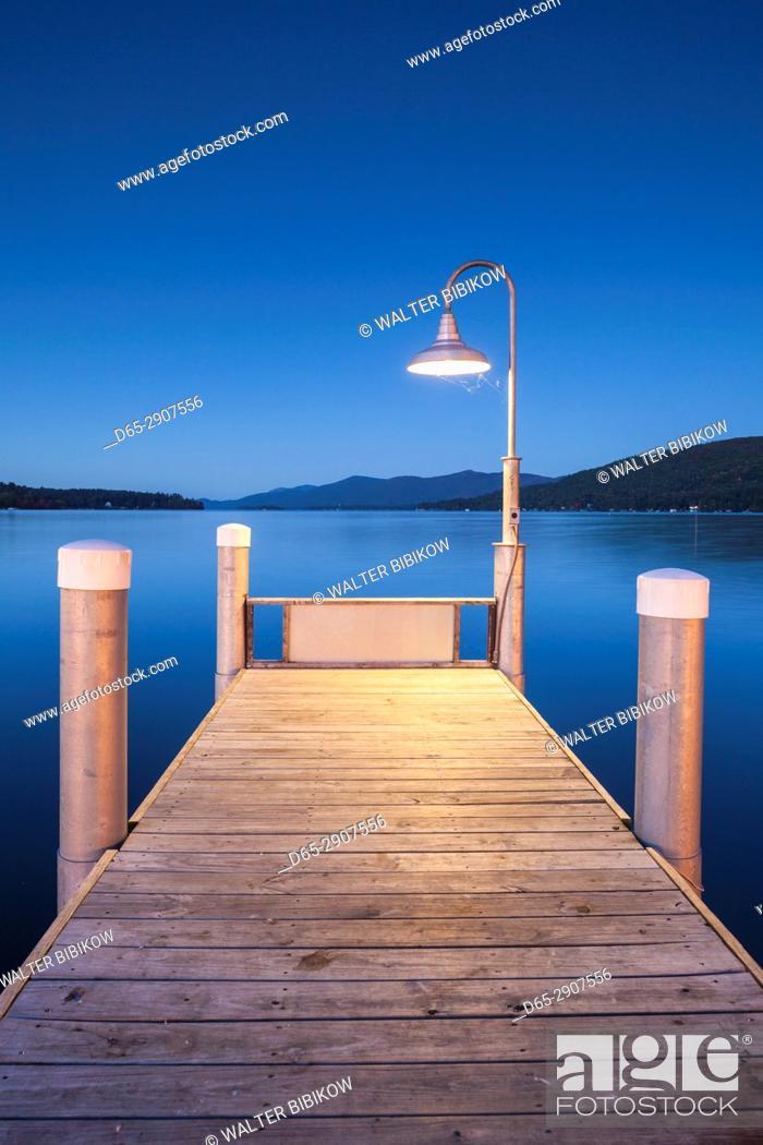 Stock Photo: USA, New York, Adirondack Mountains, Lake George, boat pier, evening.