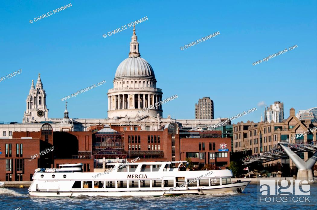 Stock Photo: europe, UK, England, London, St Paul's cathedral.