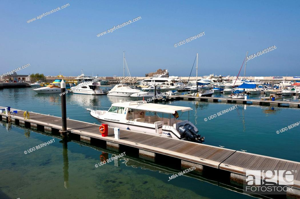 Stock Photo: Arabia, Arabian peninsula, Sultanate of Oman, Muscat, harbour, boots.