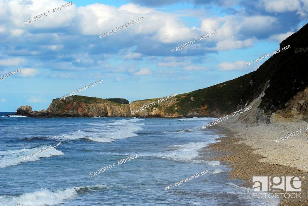 Stock Photo: Playa de San Antolin Llanes, Asturias.