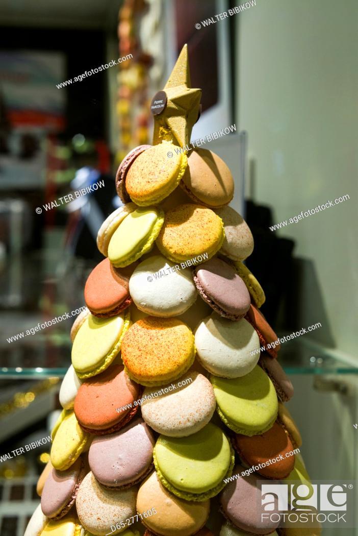 Stock Photo: Belgium, Bruges, Belgian Chocolates shop, macaron cookies.