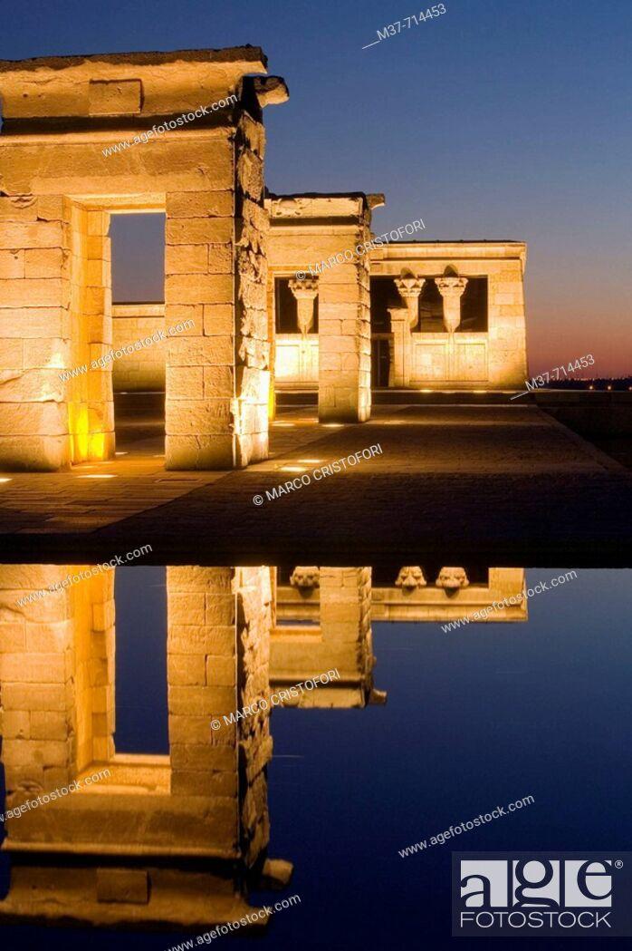 Stock Photo: Debod temple, Madrid. Spain.