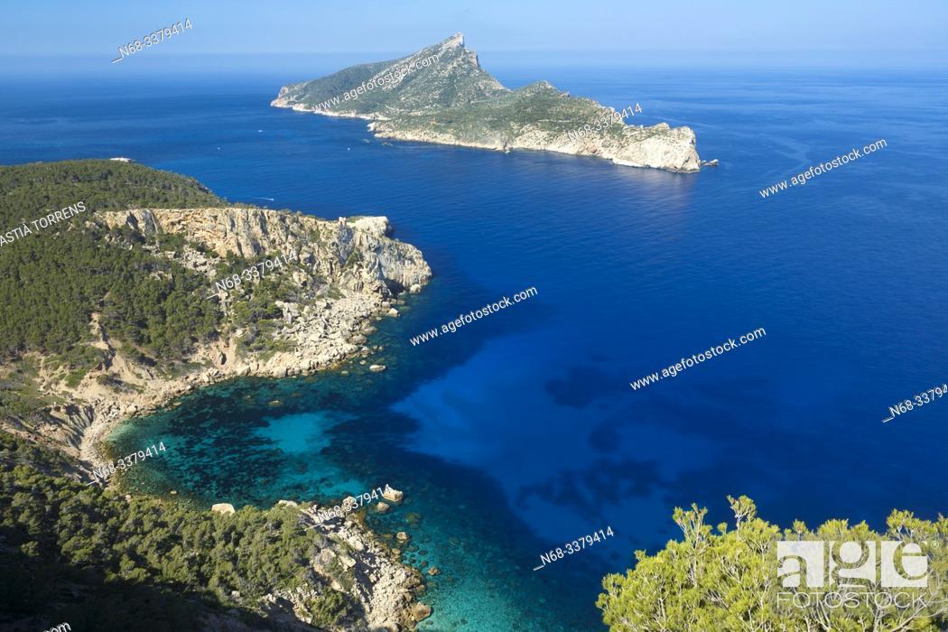 Stock Photo: View of the island of Sa Dragonera and Cala en Basset, Majorca, Spain.
