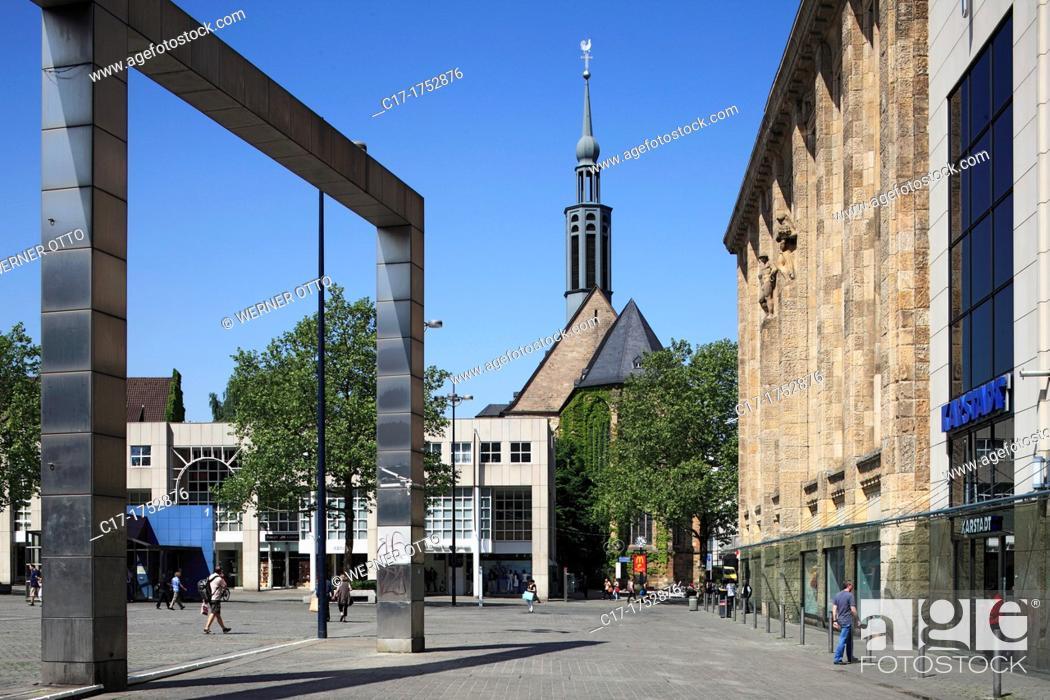 Stock Photo: Germany, Dortmund, Ruhr area, Westphalia, North Rhine-Westphalia, NRW, Hansa Square, facade of the former department store Theodor Althoff, nowadays Karstadt.