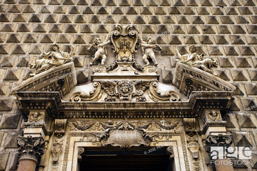 Imagen: The Church of Gesù Nuovo, Piazza del Gesù Nuovo square, Naples city, Campania, Italy, Europe.