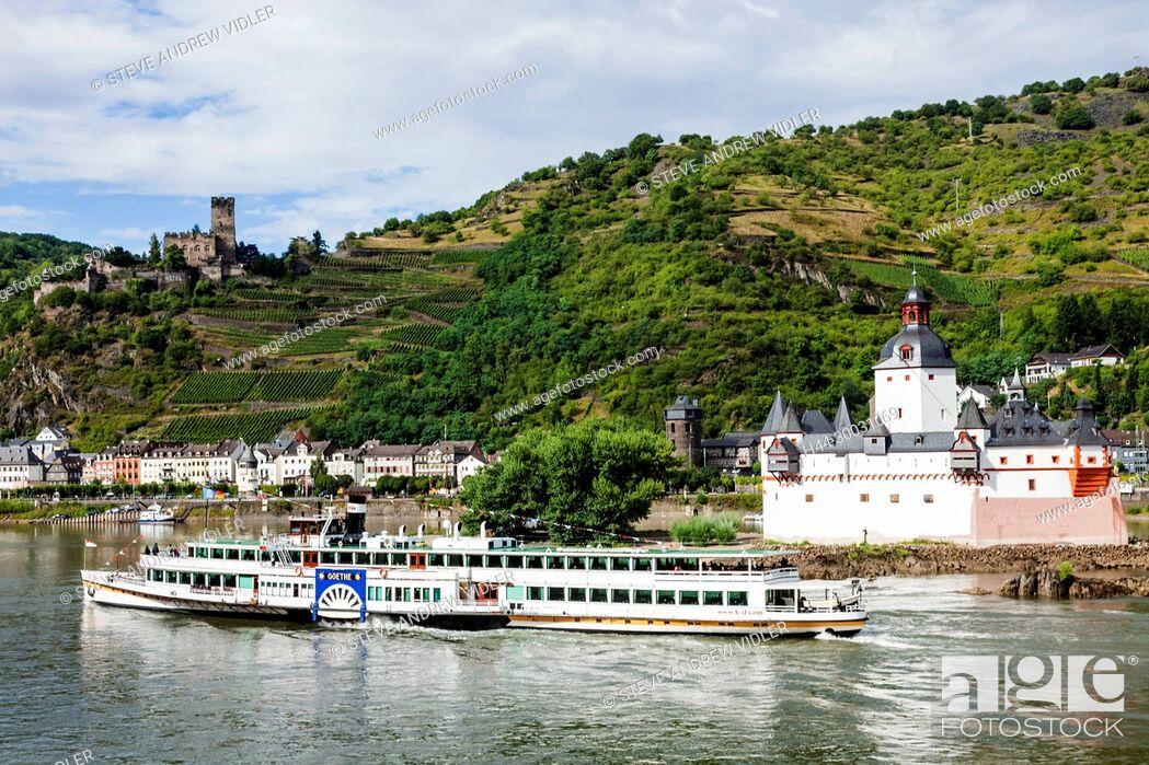 Imagen: Germany, Rhineland-Palatinate, Rhine Valley, River Rhine, Kaub Castle and Pleasure Steamer.