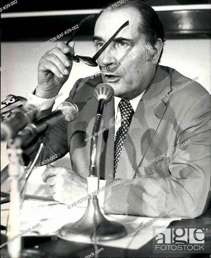 Imagen: Jul. 08, 1975 - The leader of the Socialist Party held a press conference in the National Assembly buildings this afternoon during which he developed his.