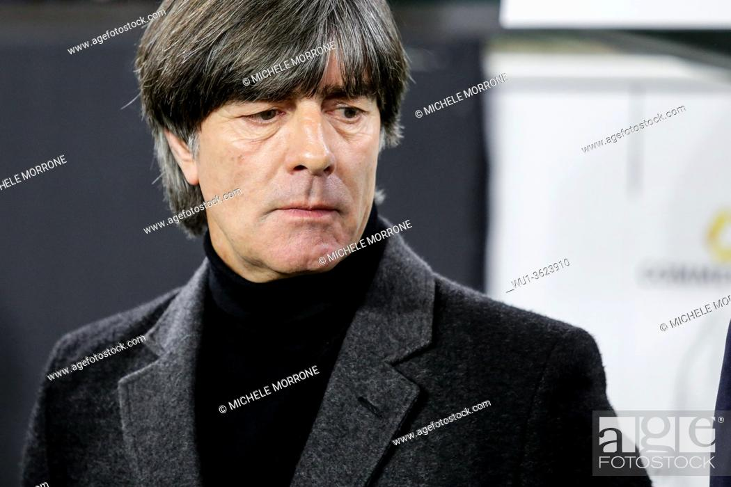 Imagen: Wolfsburg, Germany, March 20, 2019: German national team head coach Joachim Low during the international soccer game Germany vs Serbia.