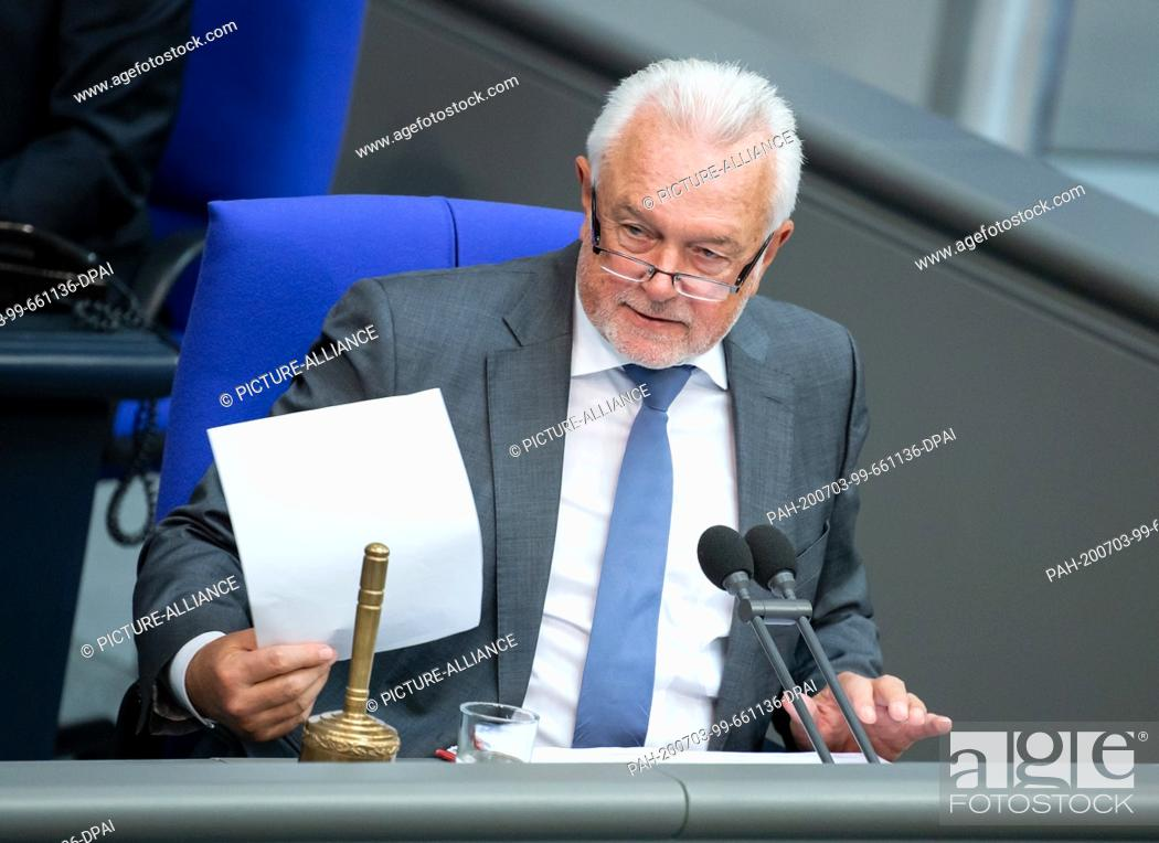 Stock Photo: 03 July 2020, Berlin: Wolfgang Kubicki (FDP), deputy president of the Bundestag, announces the result of the vote by mutton jump on the coal phase-out law.