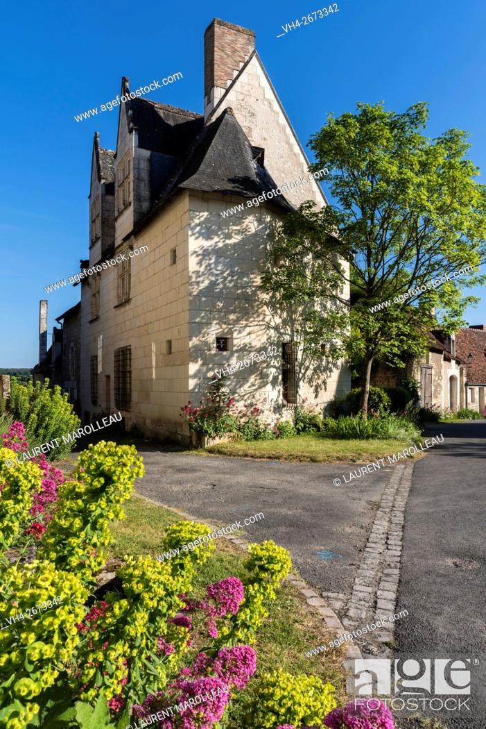 Imagen: Notable's House known as Gaby House at Crissay-sur-Manse, Labeled The Most Beautiful Villages of France. Indre-et-Loire, Centre region, Loire valley, France.