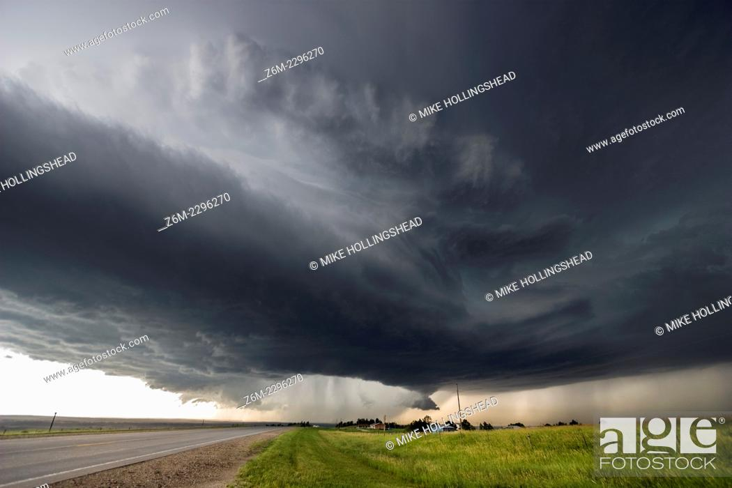 Stock Photo: Instense supercell storm moves south near Mission South Dakota, July 13, 2009.
