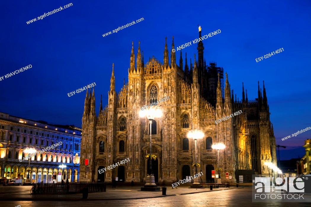 Photo de stock: Duomo cathedral early in the morning in Milan, Italy.