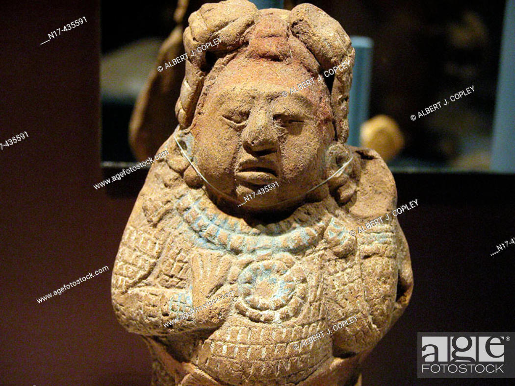 Stock Photo: Figurine (late classic period, 550 - 900 A.D.), Maya sculpture in museum. Mérida, Yucatán. Mexico.