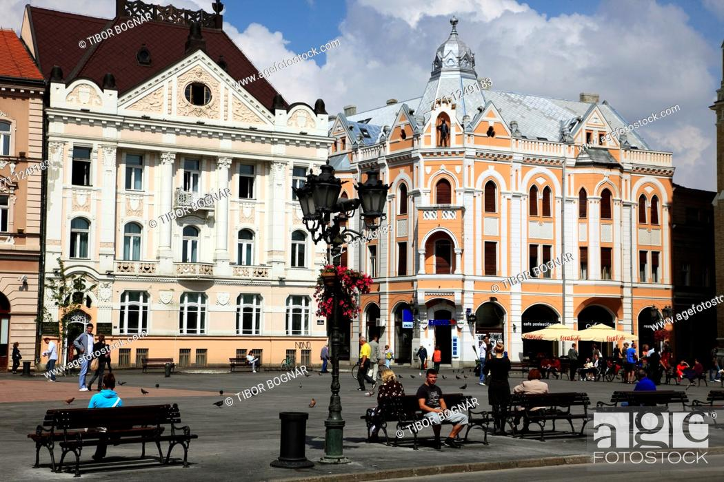 Stock Photo: Serbia, Vojvodina, Novi Sad, main square, street scene,.