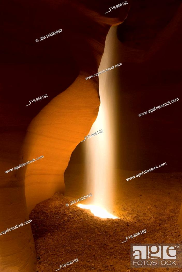 Stock Photo: Shaft of sunlight in slot canyon, Canyon X, near Page, Arizona, USA.