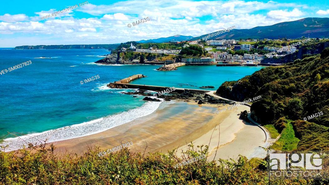 Imagen: Luarca town cityscape, Valdés municipality, Asturias, Spain.