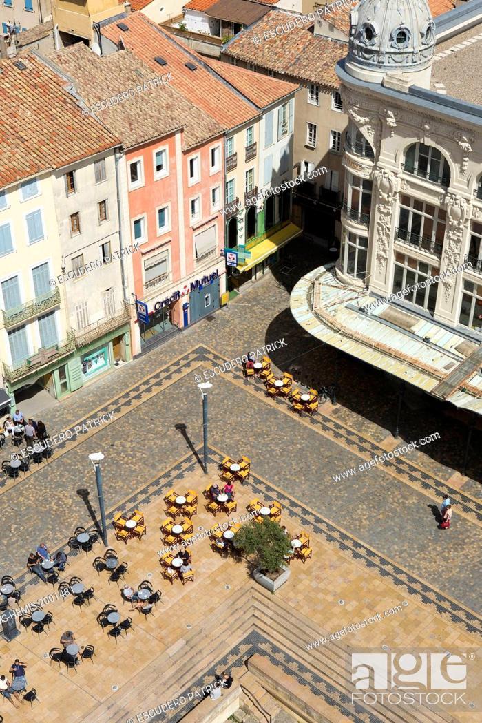 Stock Photo: France, Aude, Narbonne, Via Domitia on Place de l'Hotel de Ville.