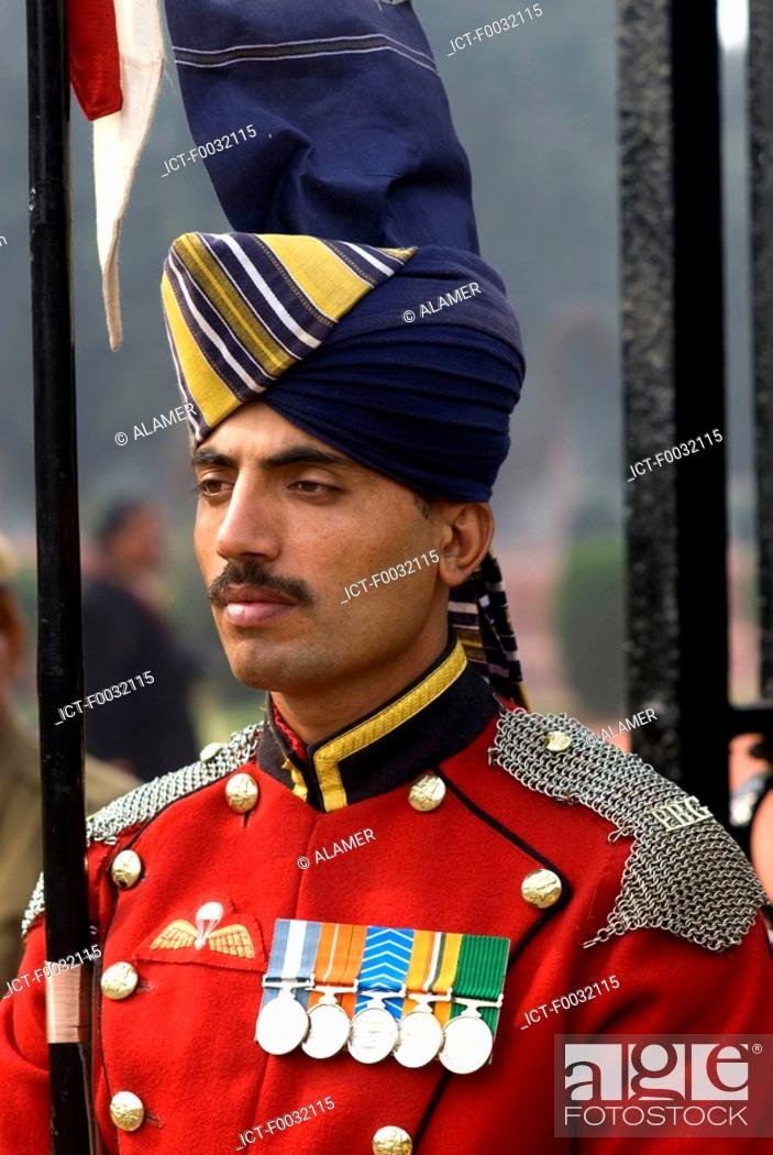 Stock Photo: India, New Delhi, district of the ministry and parliament, military parade.
