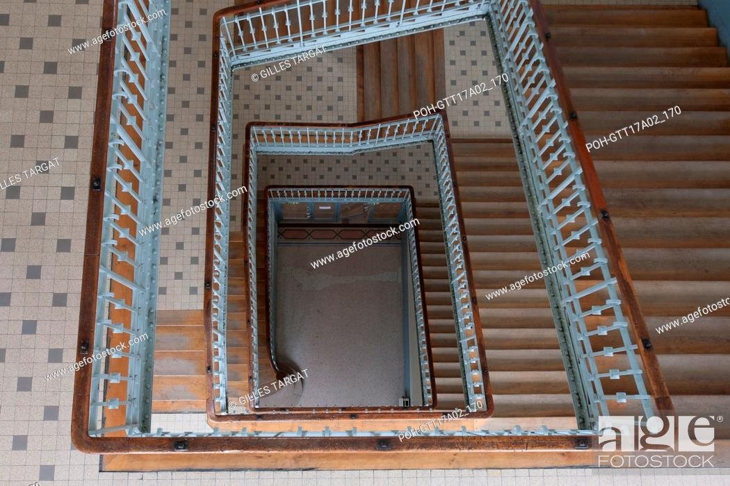 Stock Photo: Paris, boulevard Saint Michel, lycee saint louis, Grand escalier Racine Photo Gilles Targat.
