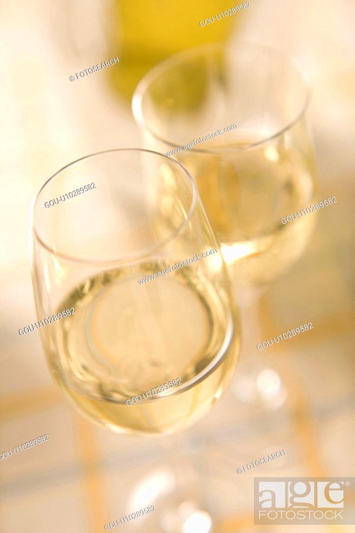 Photo de stock: White wine.